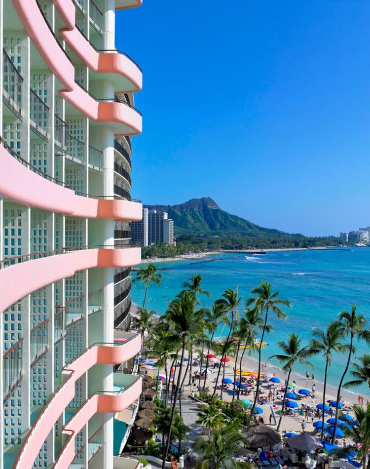 ピンクの「ロイヤル ハワイアン ホテル」で過ごす、贅沢なハワイ女子旅♡スペシャルプランで非日常を体験