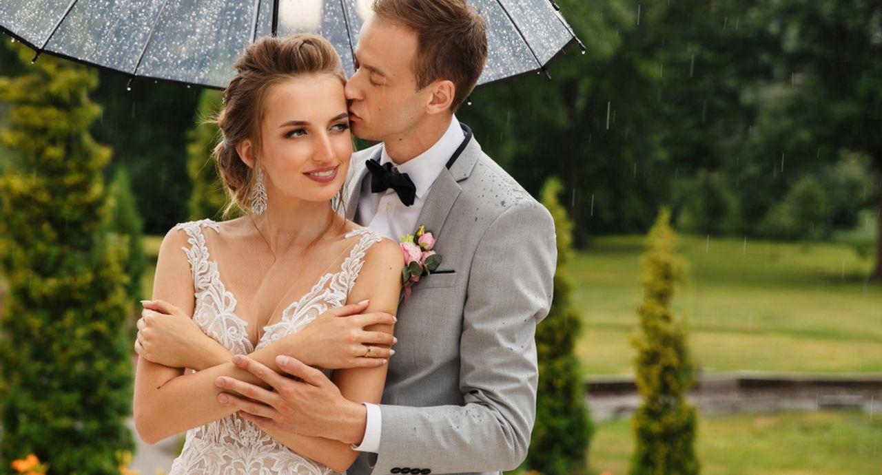 結婚式が雨でも大丈夫!雨の日の演出やゲストへの対応などをご紹介