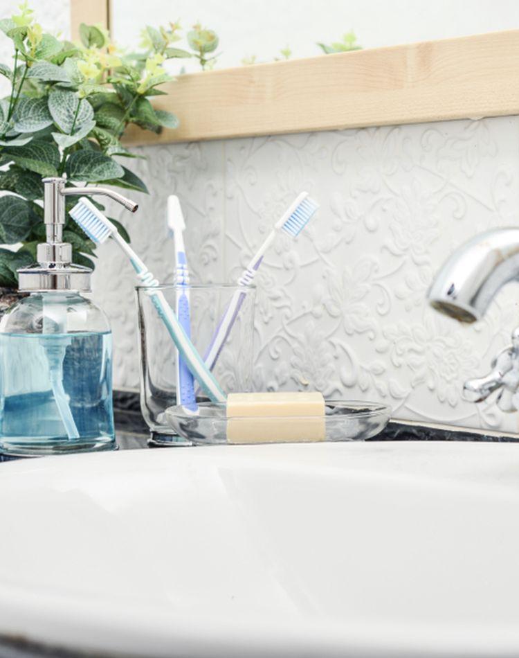 洗面所の掃除は意外に簡単!?きれいをキープするコツやおすすめ商品