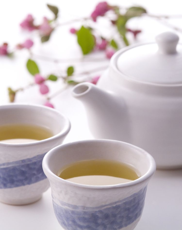 来客時のお茶出しのマナーは?お茶の出し方の手順やタイミングとは