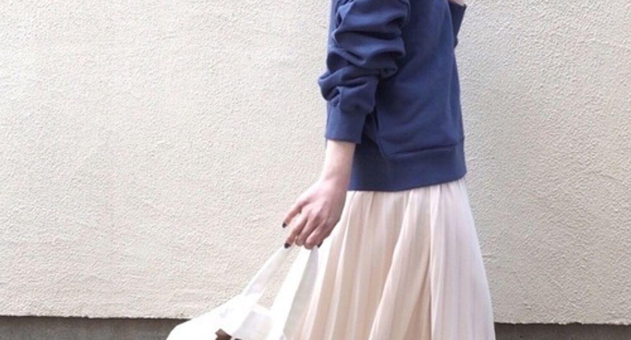 ボリュームスカートを使った大人可愛いコーデの作り方。コーデ例9選