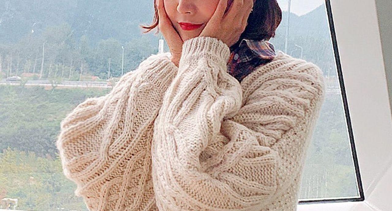 ニットカーディガンのコーデ集!季節・丈・色別の着こなし方をご紹介