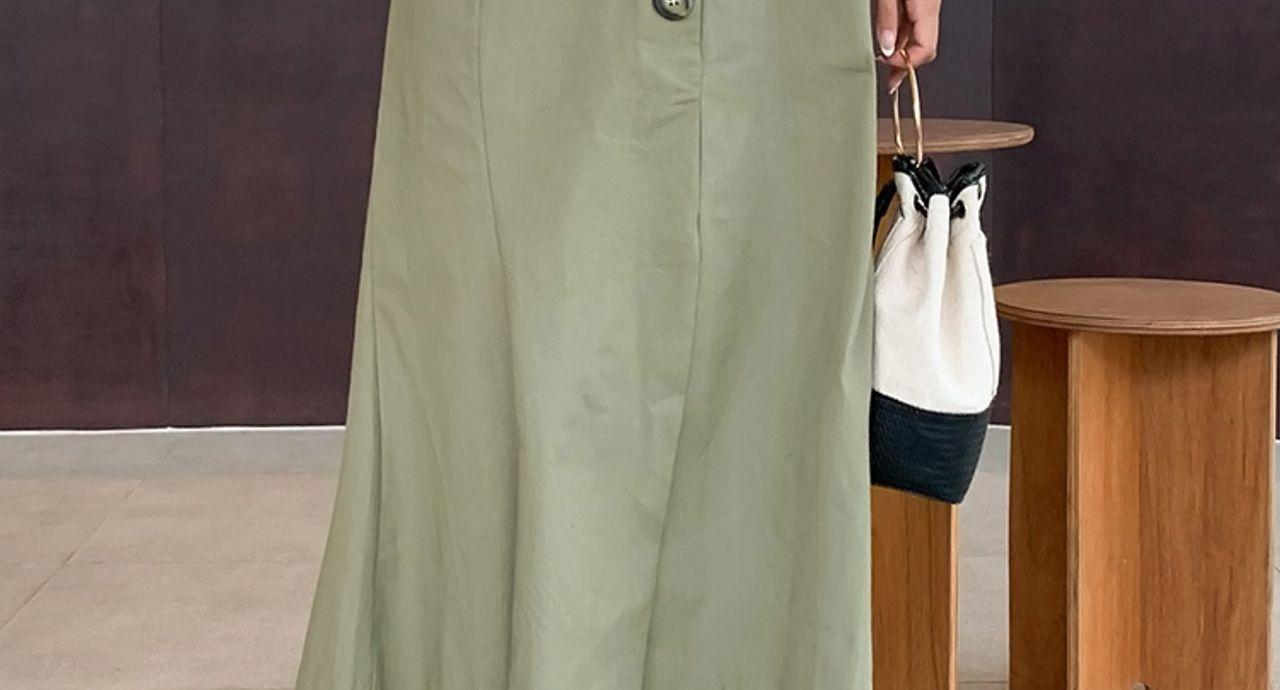 カーキトレンチスカートは万能!合わせアイテムで自分好みのコーデに