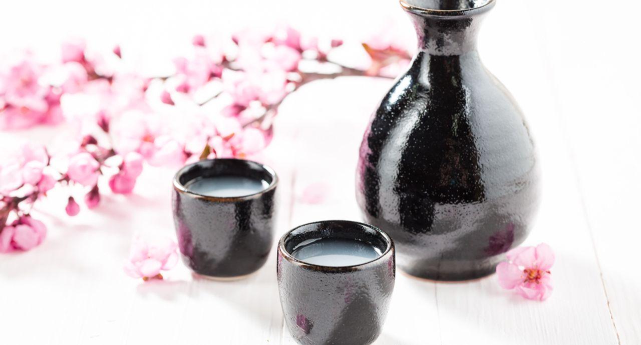 日本酒のマナーをご紹介!飲み方や注ぎ方の作法やNGマナーとは