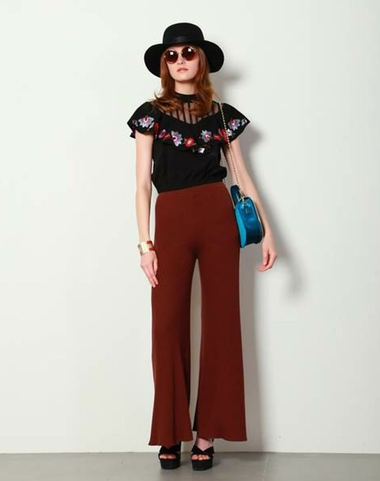 70年代ファッションがブレイク?特徴やボヘミアンなど注目スタイル