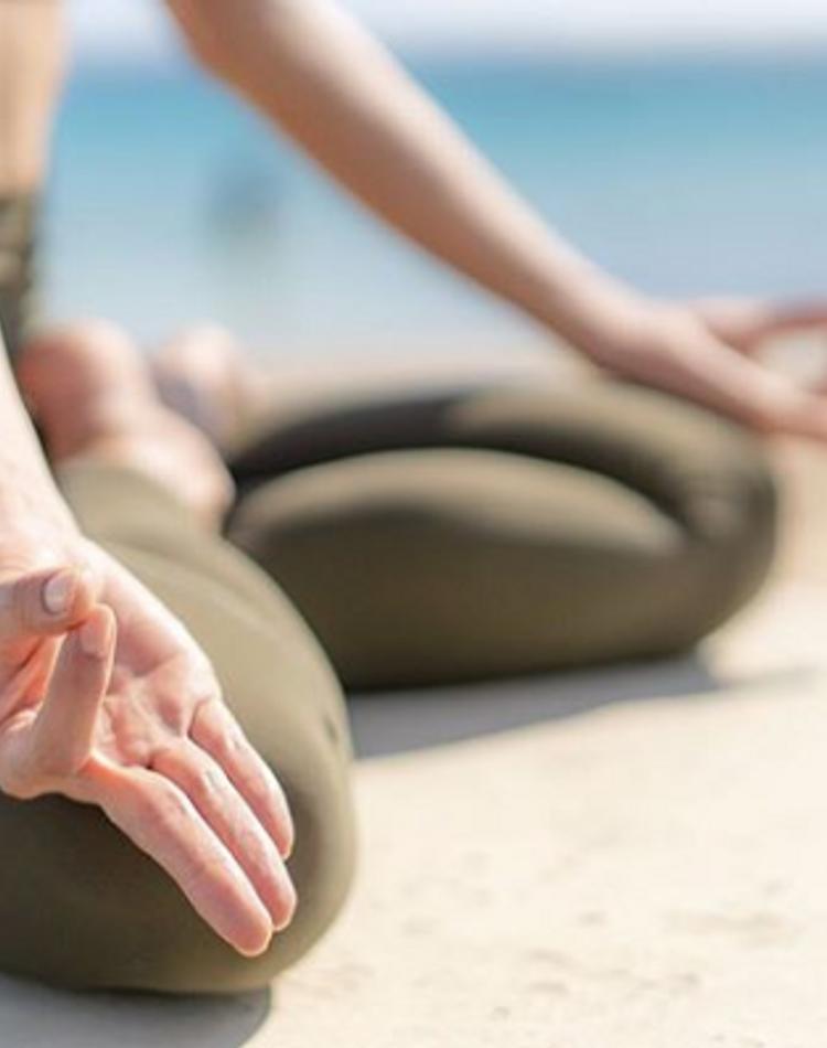 瞑想の服装を徹底解説!やり方や効果等の基本情報も丸ごとチェック