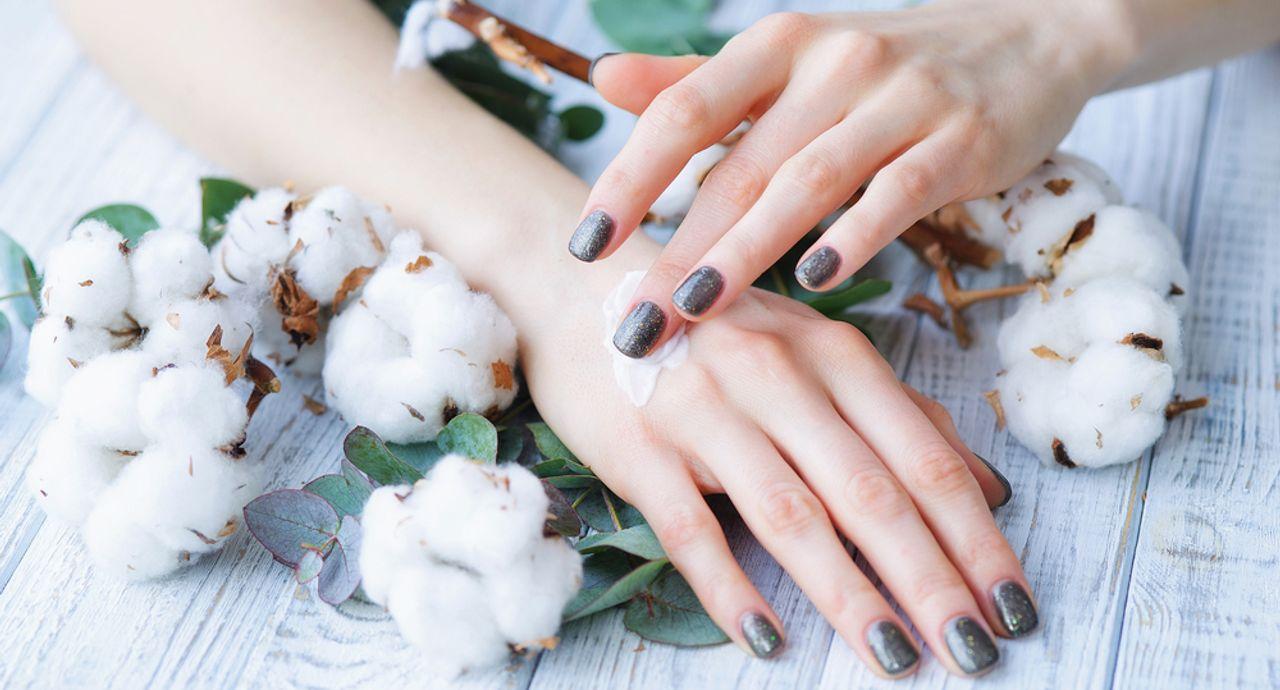 指のむくみの原因と対処法。マッサージやストレッチですっきり解消!