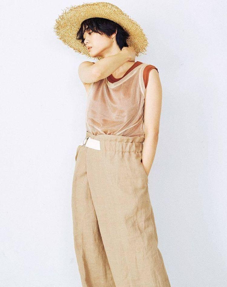 夏の着こなしに欠かせない麦わら帽子!休日に楽しみたい大人コーデ