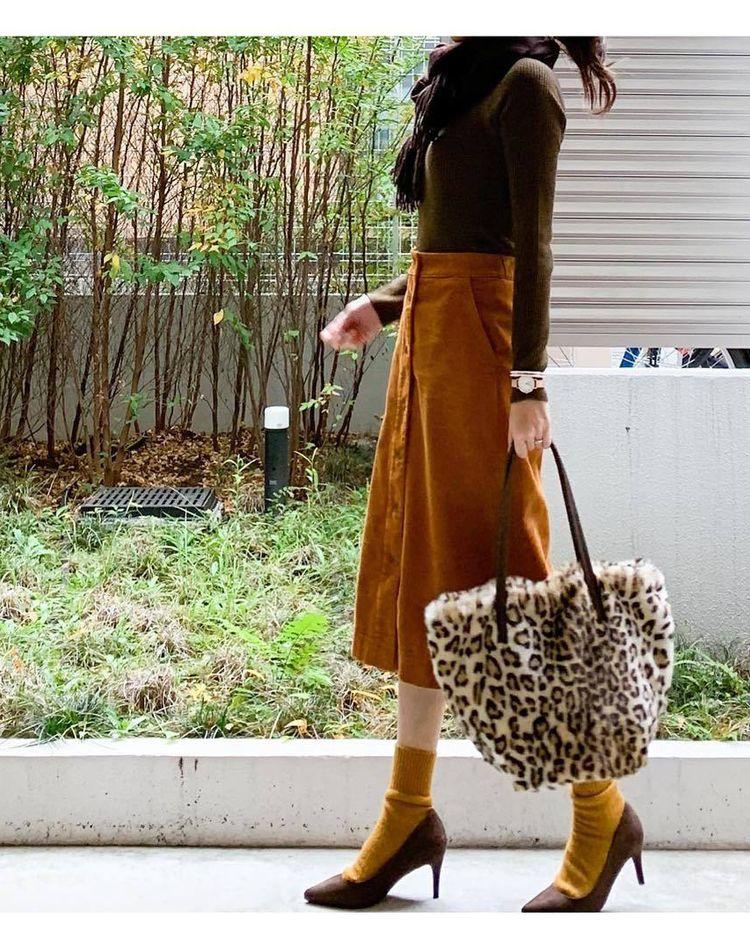 ユニクロのコーデュロイスカートが可愛い!種類と色別コーデ9選