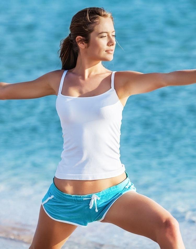 ヨガがダイエットに効くのはなぜ?身体に嬉しい効果やおすすめポーズ