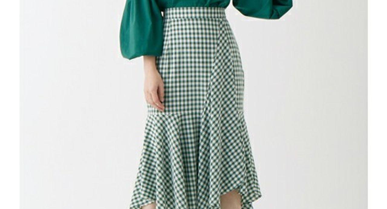 おしゃれ見えするヘムスカートのコーデ術。季節別の着こなしをご紹介
