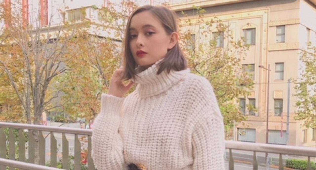 アシュリーのスタイリッシュな私服SNAP&おすすめ秋メイクを公開!