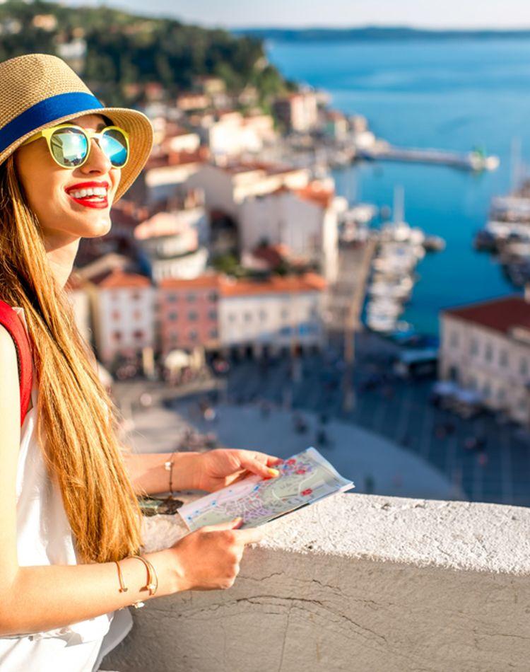 旅行中に便秘で悩む人が続出?原因や旅行先でもできる対処法