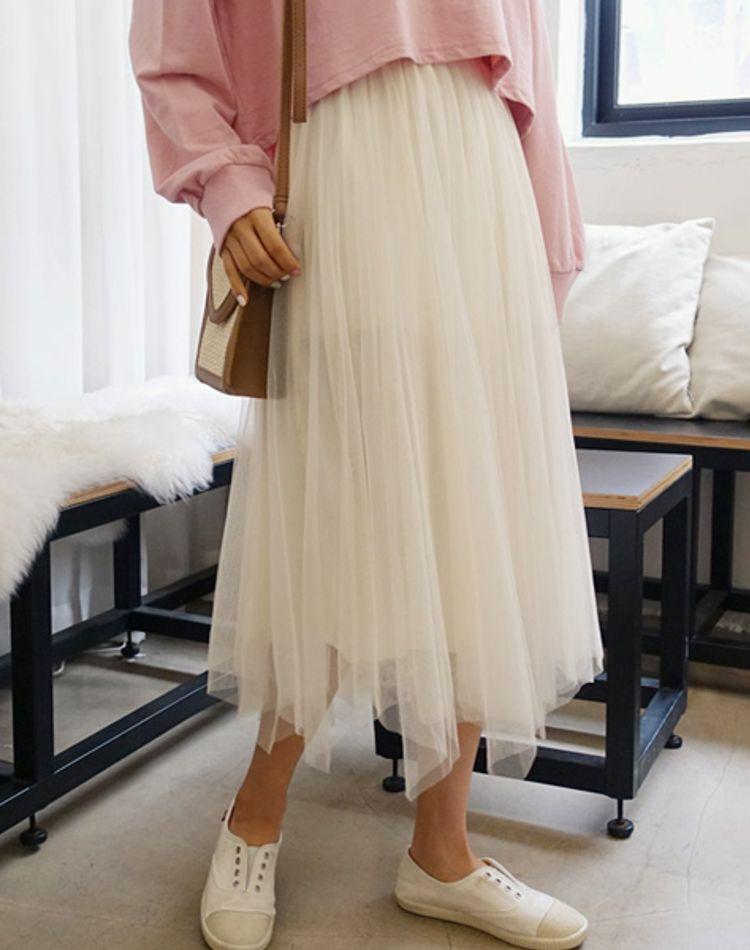 白チュールスカートの季節別コーデ!オトナ女子の着こなしは?