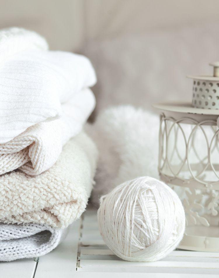 セーターの賢い収納方法って?ニット素材を上手に収納する方法とは