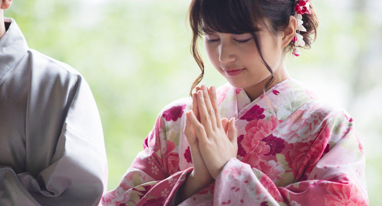 初詣の服装や参拝マナーをご紹介!女性・男性別のおすすめコーデ