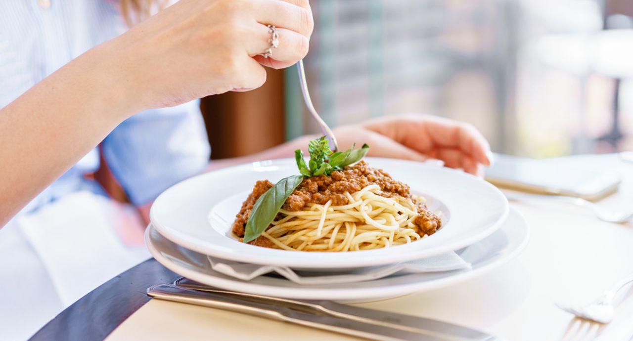 イタリアンのマナーが知りたい!ピザやパスタの食べ方とは?