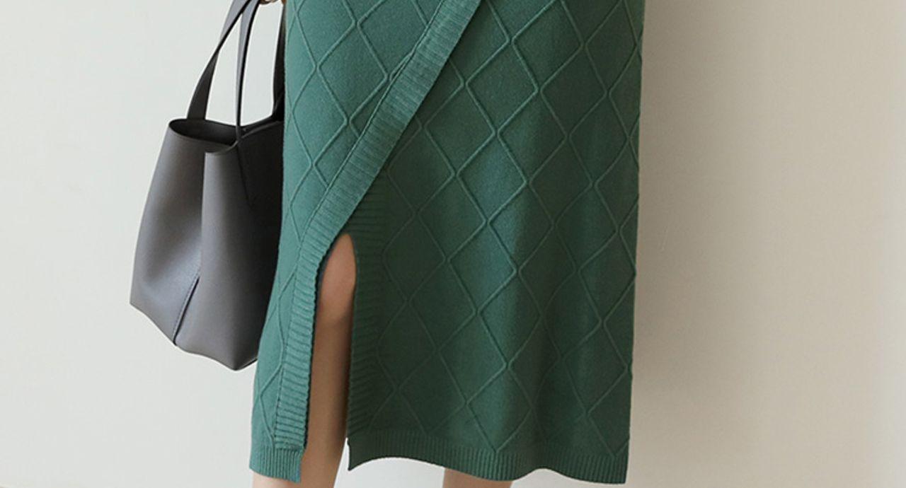 ニットロングスカートはオールシーズン対応!様々なカラー別コーデ