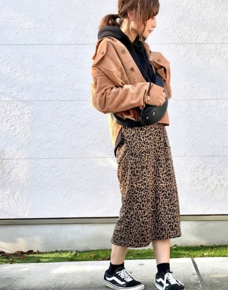 レオパードスカートはどう着こなす?オトナ女子のトレンドコーデ術