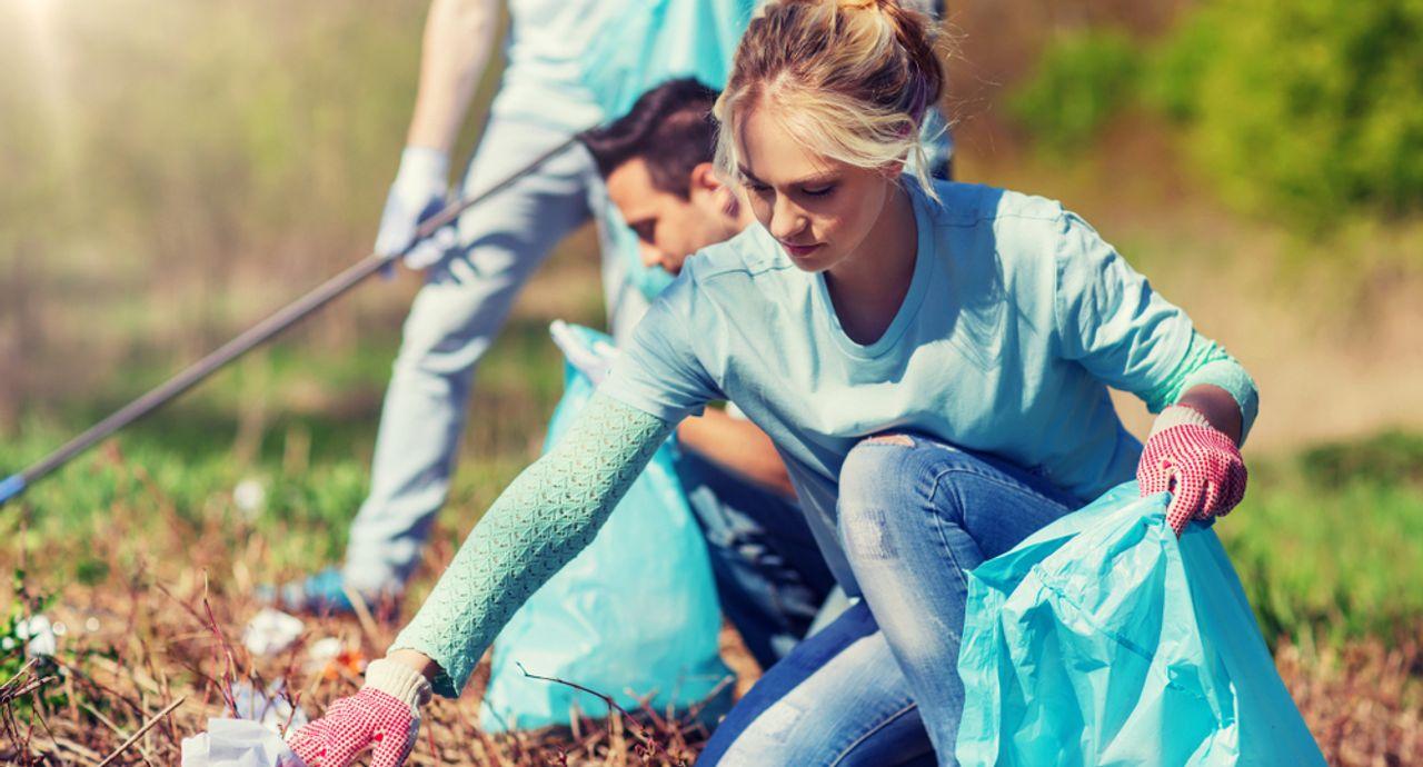 ボランティアに参加する時の服装は?季節ごとの服装や持ち物のおすすめ