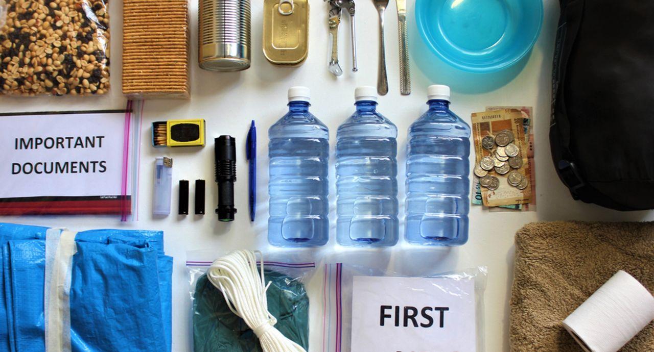 避難時に持っておきたい防災用品をご紹介!女性の必需品もご紹介