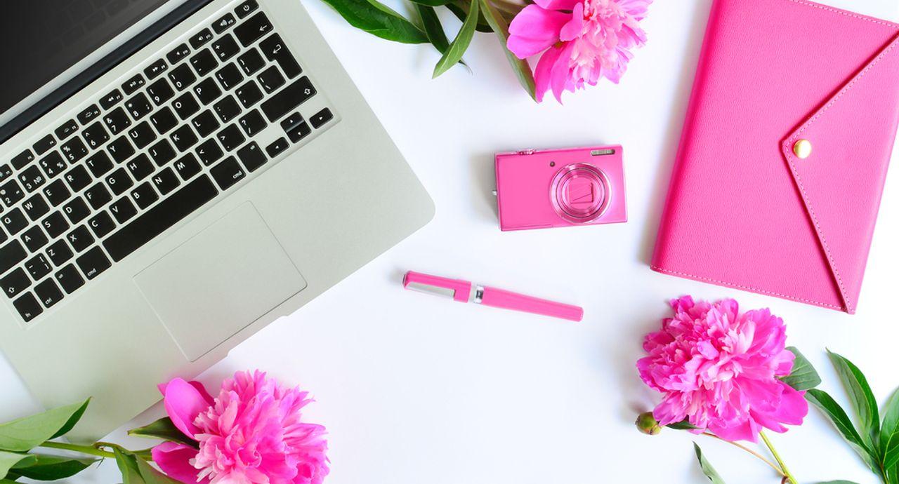 ビジネスメールのマナーを復習。書き出しや挨拶、例文をご紹介