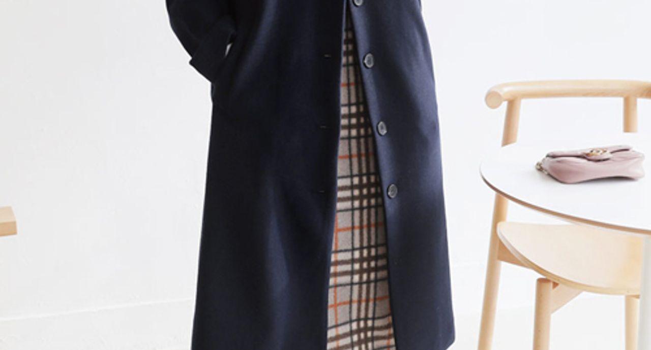 ネイビーのロングコートを使ったコーデ集!年代別に着こなしをご紹介