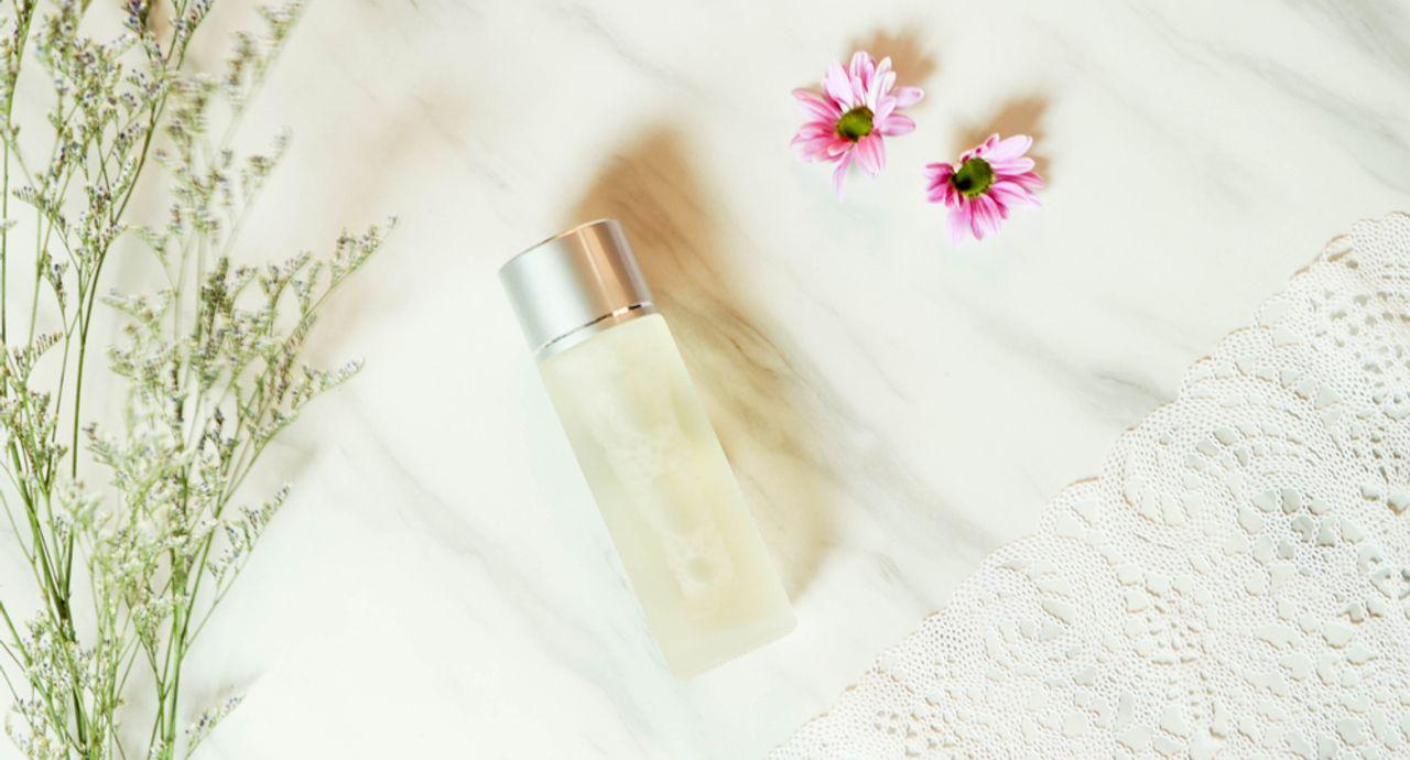 20代の化粧水選びのポイントは?よくある肌悩みやおすすめ化粧水