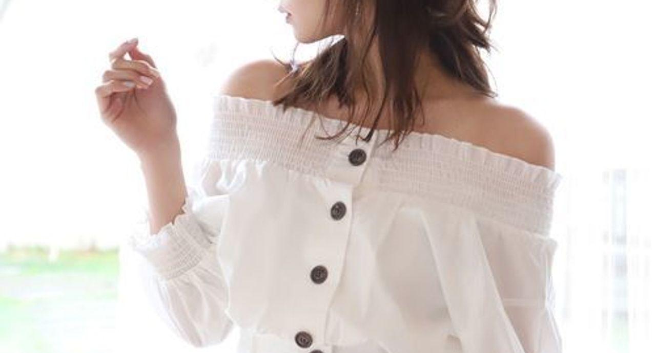 肩幅広い女性に似合う服装とは?服選びのポイントやコーデまとめ