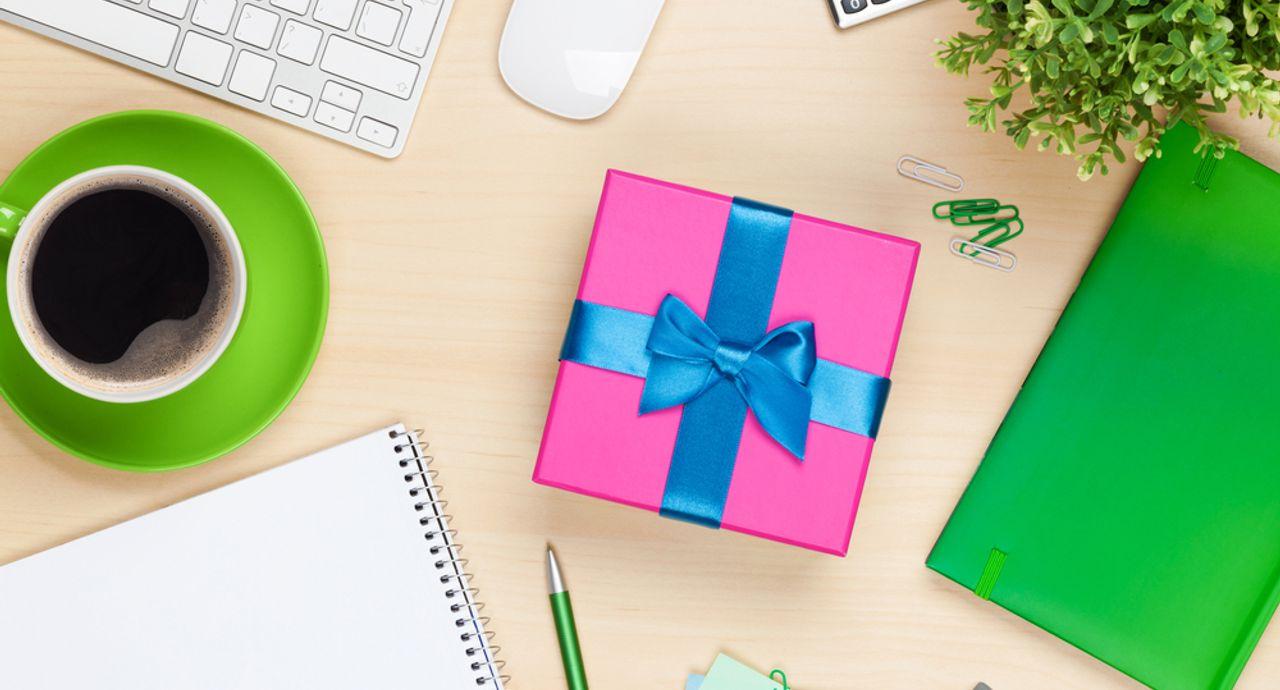 結婚祝いで同僚を喜ばせたい!金額の相場やおすすめのプレゼントとは