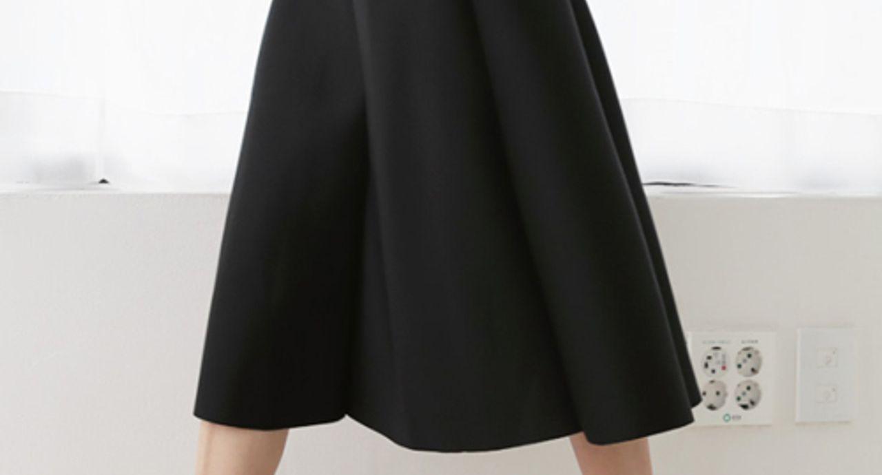 黒フレアスカートでおしゃれコーデを作る!季節別やレングス別に紹介