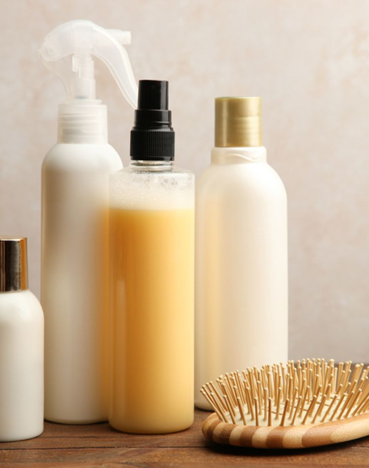 髪の保湿は必要?乾燥する原因や美髪を保つケア方法について