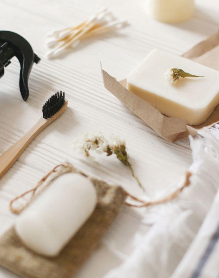 石鹸での洗顔のメリットは?正しい洗顔方法やおすすめ石鹸をご紹介