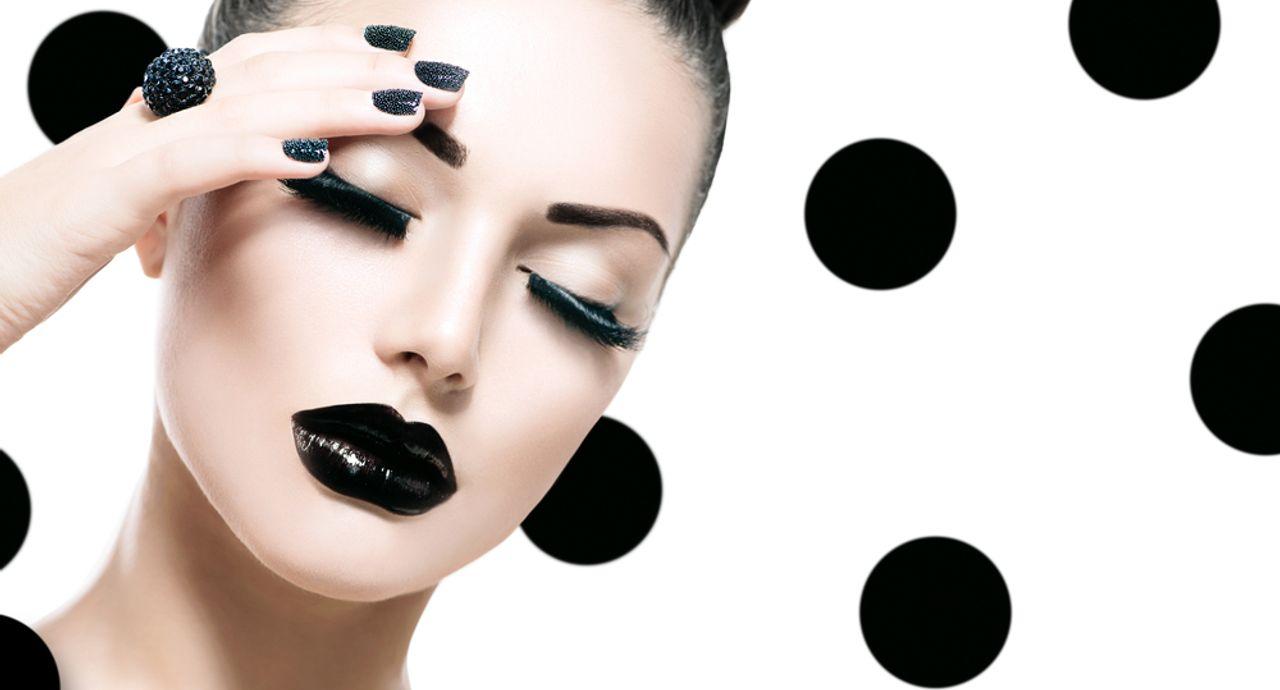 黒の口紅の印象とは?特徴や選び方、おすすめなどをご紹介
