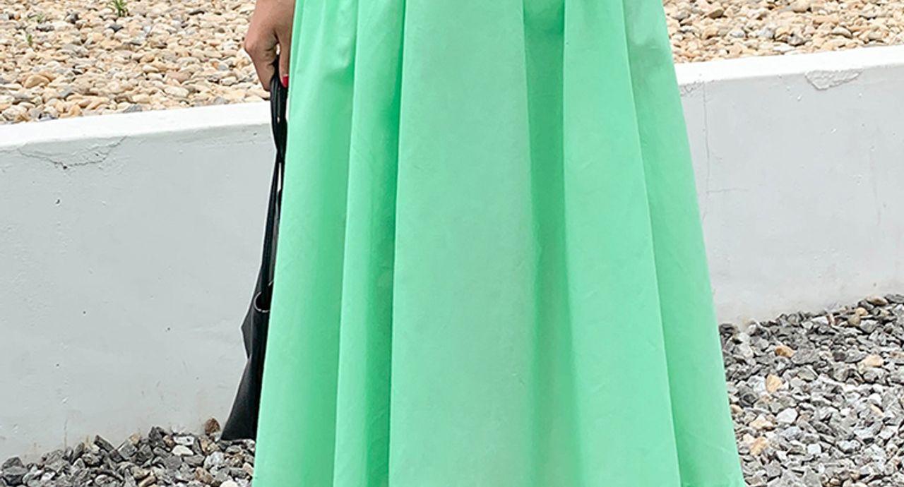 ギャザースカートは女性らしさ満載!季節別の注目コーデをご紹介