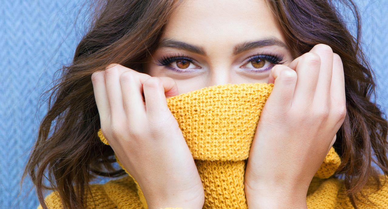 保湿マスクで潤いキープ!特徴や効果、おすすめアイテムをご紹介