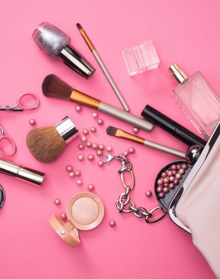 化粧にかかる時間の平均は?忙しい朝の時間を短縮する方法など