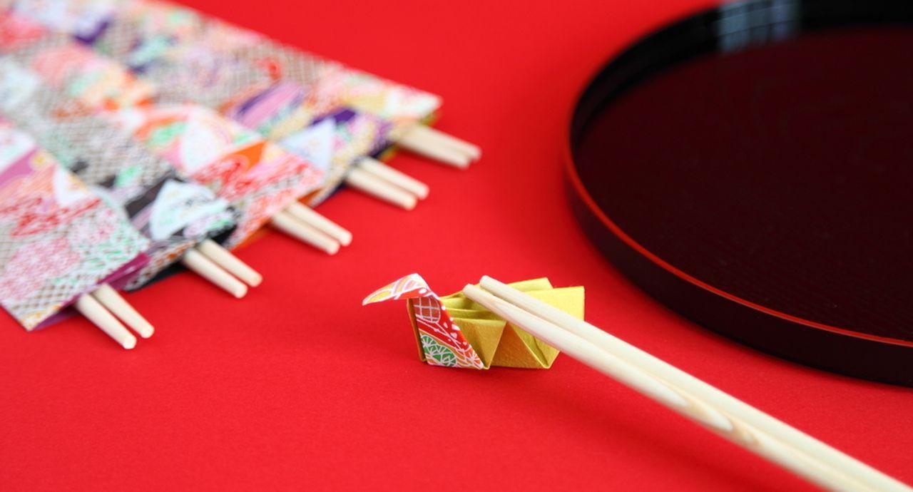 割り箸のマナーをチェック!割り箸の割り方や食後の作法をご紹介