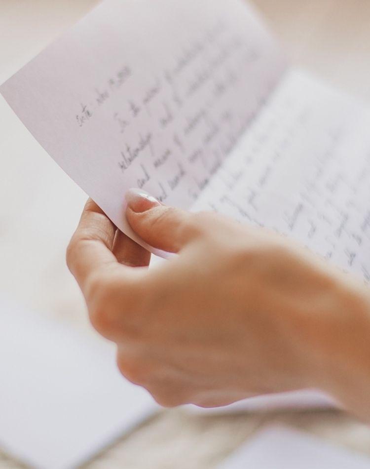 香典返しのお礼はどうするべき?基本的なマナーや伝え方のポイント
