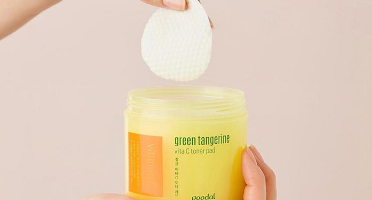 拭き取り化粧水の効果とは?正しい使い方やおすすめの人気アイテム