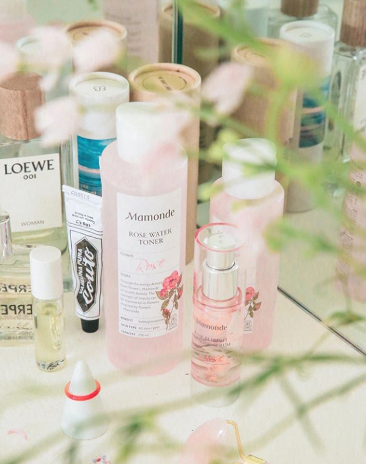 ミスト化粧水の効果とは?種類や選び方、おすすめ商品など
