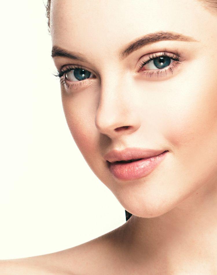 就活中の眉毛のおすすめは?好印象な眉の描き方や色、太さを徹底解説