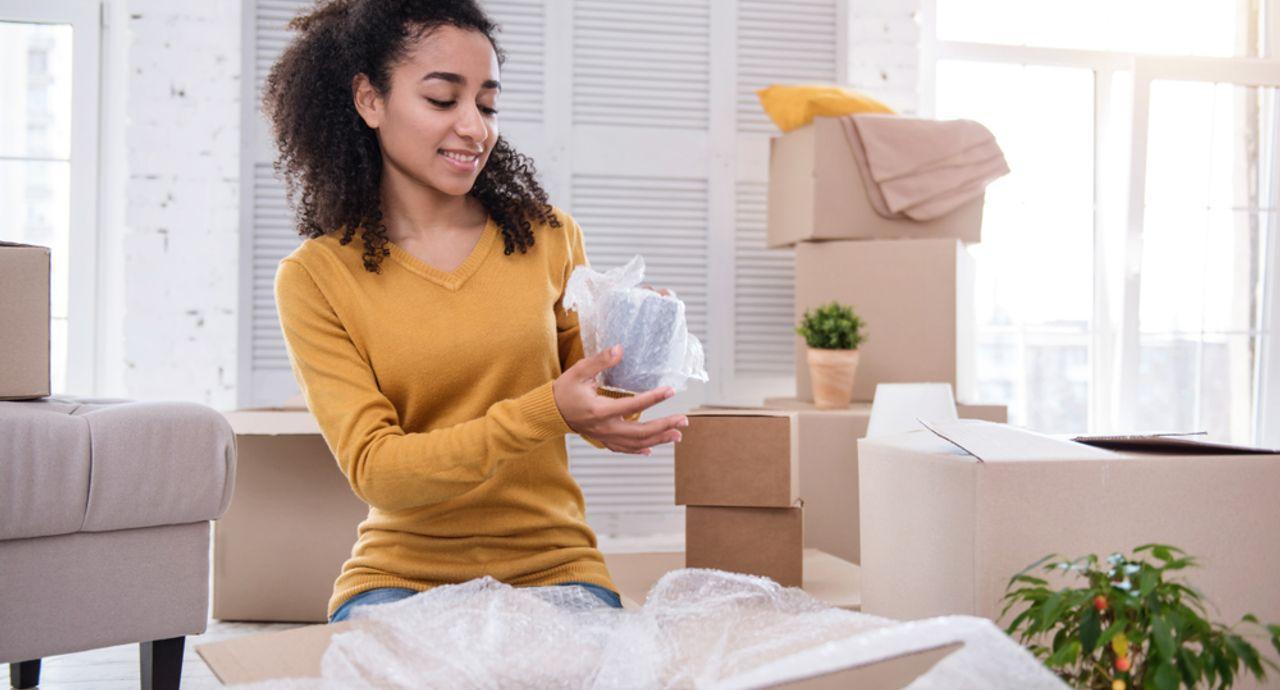 引っ越しで食器を梱包するときのポイントは?荷造りのコツをご紹介