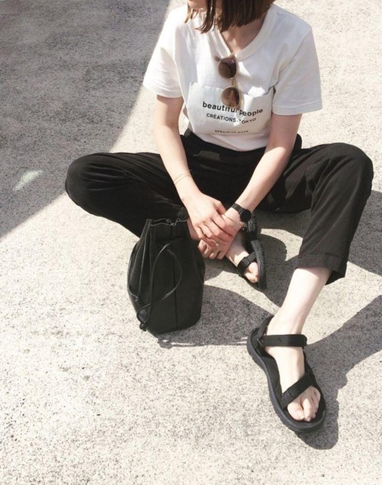 Tシャツインのおしゃれコーデをご紹介!ダサくならないやり方とは?