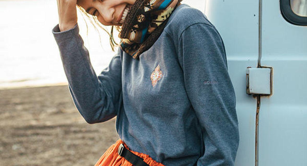 キャンプの服装は機能性+おしゃれな服装で!選び方や季節別コーデ