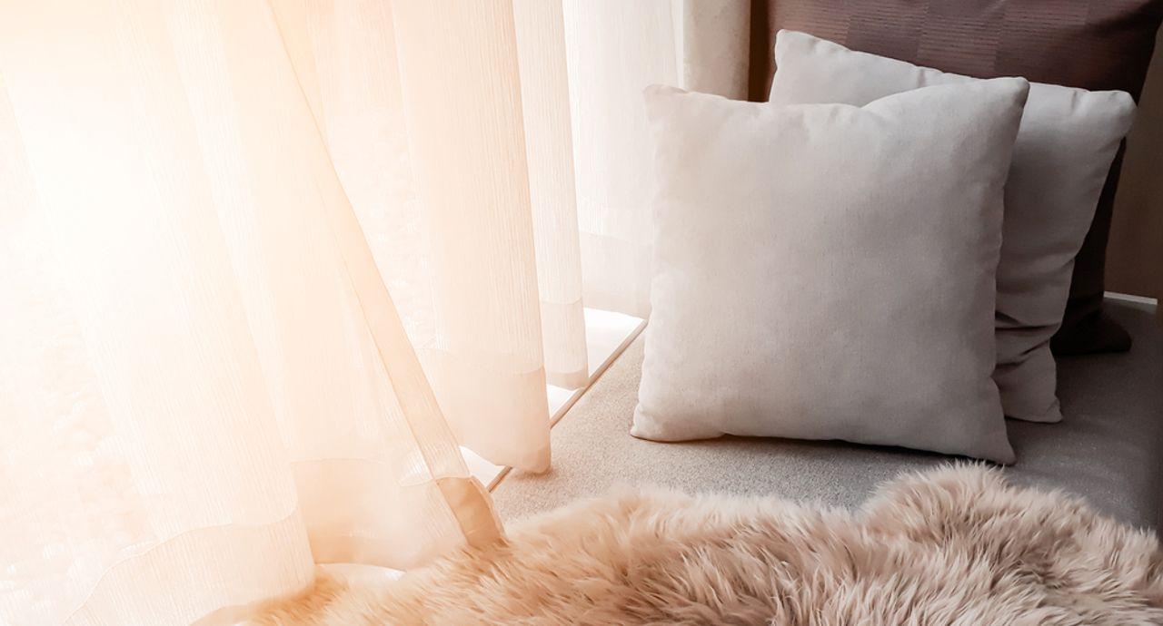 カーテンは自宅で洗濯できる!洗い方と干し方のポイント