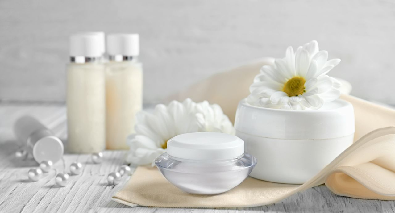 セラミド化粧品の効果とは?選び方やおすすめアイテムをご紹介