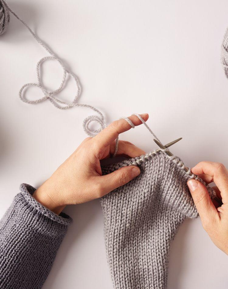 編み物はマフラーで決まり!初心者でも簡単にできる方法を徹底解説