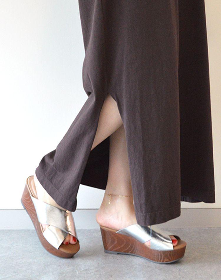シルバーの厚底シューズでおしゃれコーデ!靴の種類別おすすめ9選