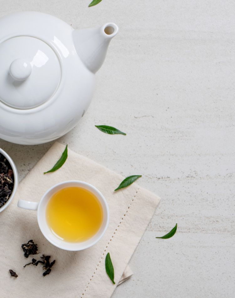 むくみ解消にはお茶が効く?お茶の選び方や種類もご紹介